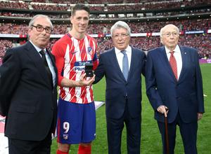 Temp. 17-18 | Atlético de Madrid - Eibar | Homenaje a Torres | Adelardo, Lázaro Albarracín y Enrique Cerezo