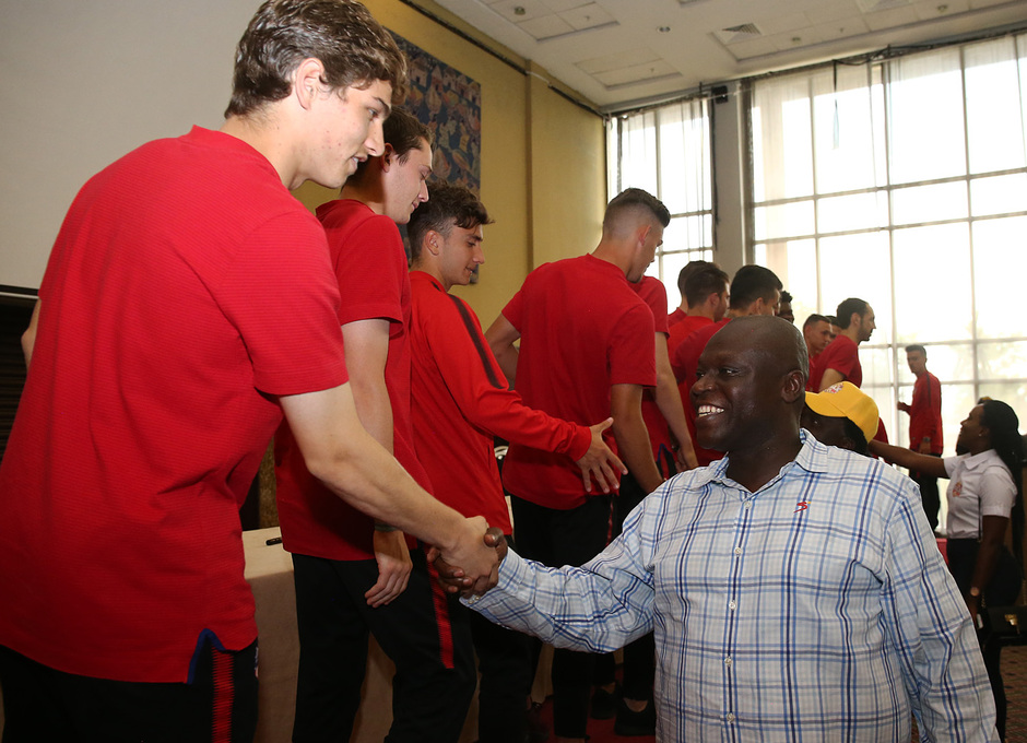 Temp. 17-18 | Meet and greet Nigeria | Solano