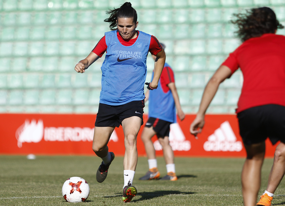 Temp 17/18 | Atlético de Madrid Femenino | Eentrenamiento en el estadio Romano de Mérida | Final Copa de la Reina | Andrea Pereira