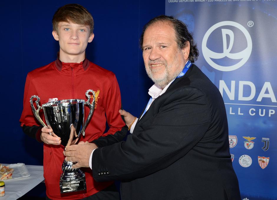 Wanda Football Cup   Entrega de trofeos   Liverpool