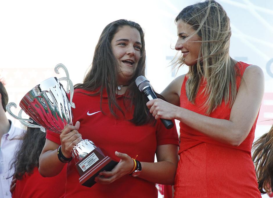 Temp 17/18 | Gala entrega de la Liga Real Federación de Fútbol de Madrid en Matapiñonera | Elena Fernández Gamo capitana del Juvenil D