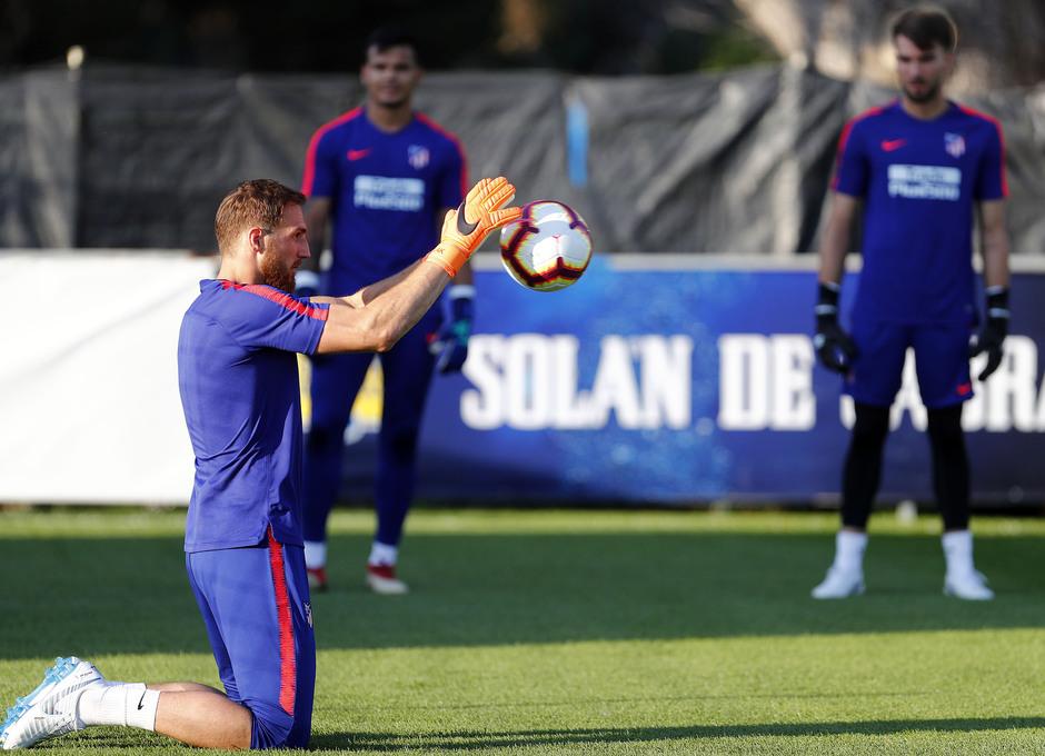 Temporada 18/19. Entrenamiento en la ciudad deportiva Wanda Atlético de Madrid. 13_07_2018. Oblak.