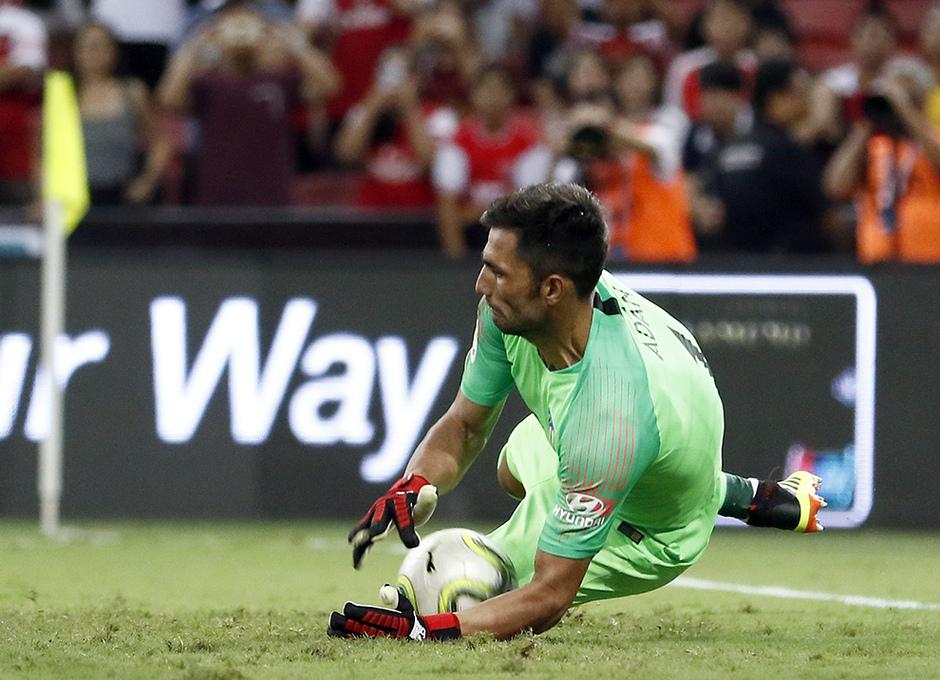 Temporada 2018-2019 | ICC Singapur | Atlético de Madrid - Arsenal | Adán parada penalti