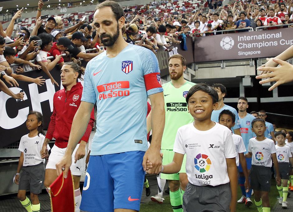 Temporada 2018-2019 | ICC Singapur | Atlético de Madrid - Arsenal | Juanfran