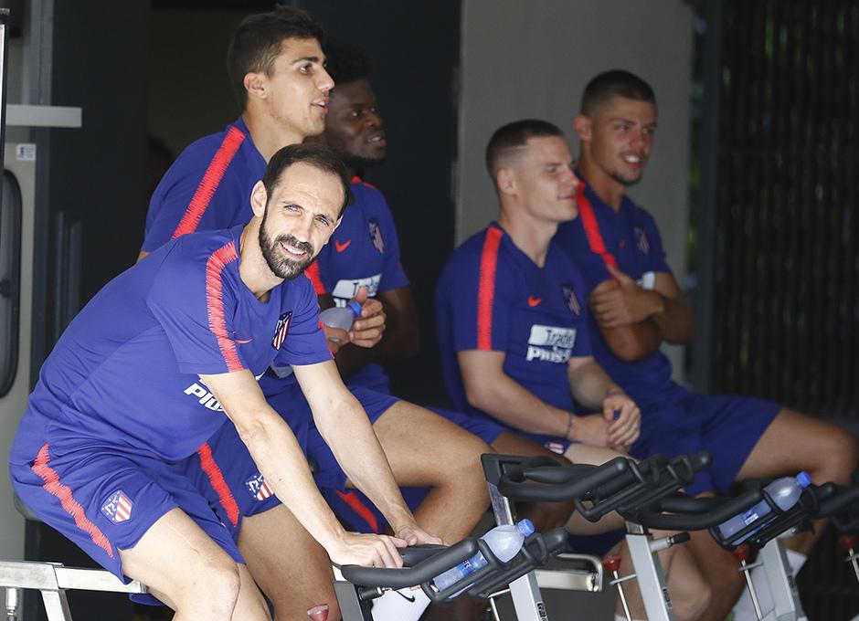 Temporada 2018-2019 | ICC Singapur  | Entrenamiento | Grupo bicicleta