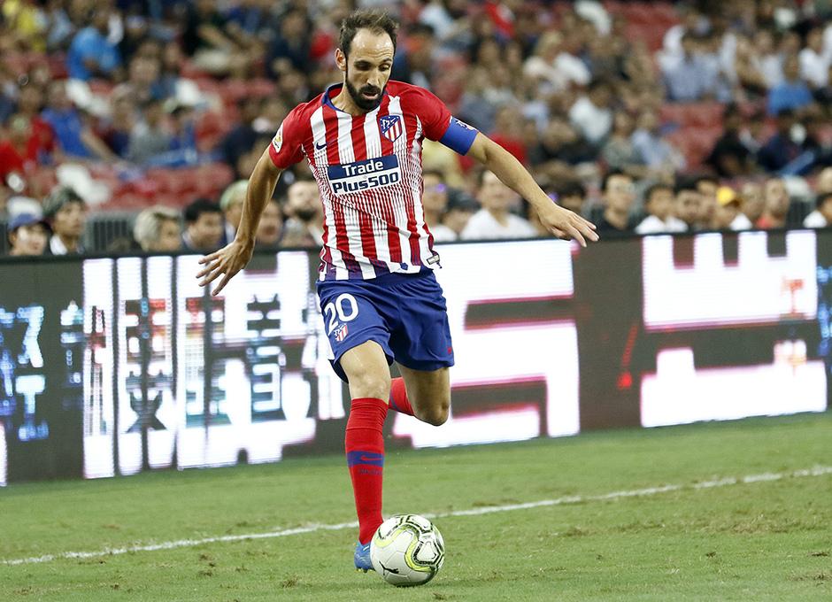 Temporada 2018-2019 | ICC Singapur | PSG - Atlético de Madrid | Grupo | Juanfran con el brazalete de capitán