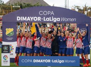 Temporada 18/19. Atlético de Madrid Femenino en Colombia en pretemporada frente al Atlético Huila. Campeonas