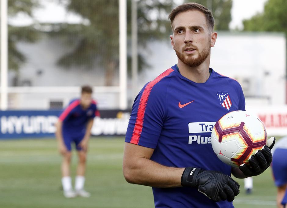 Temporada 18/19. Entrenamiento en la ciudad deportiva Wanda Atlético de Madrid. 23/08/2018. Oblak