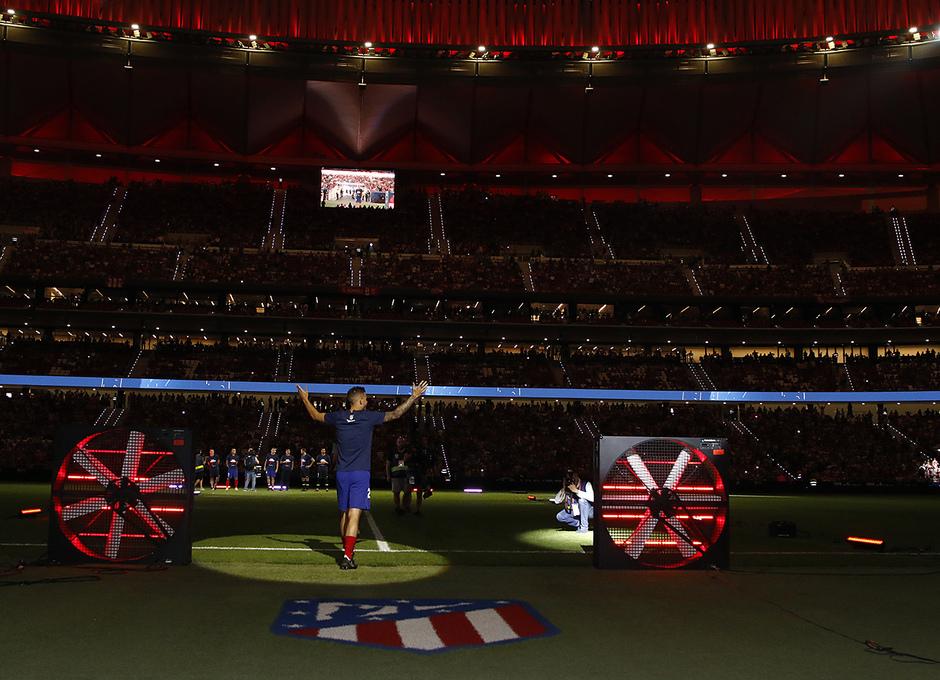 Temporada 2018-2019 | Celebración Supercopa de Europa | Lucas Hernández