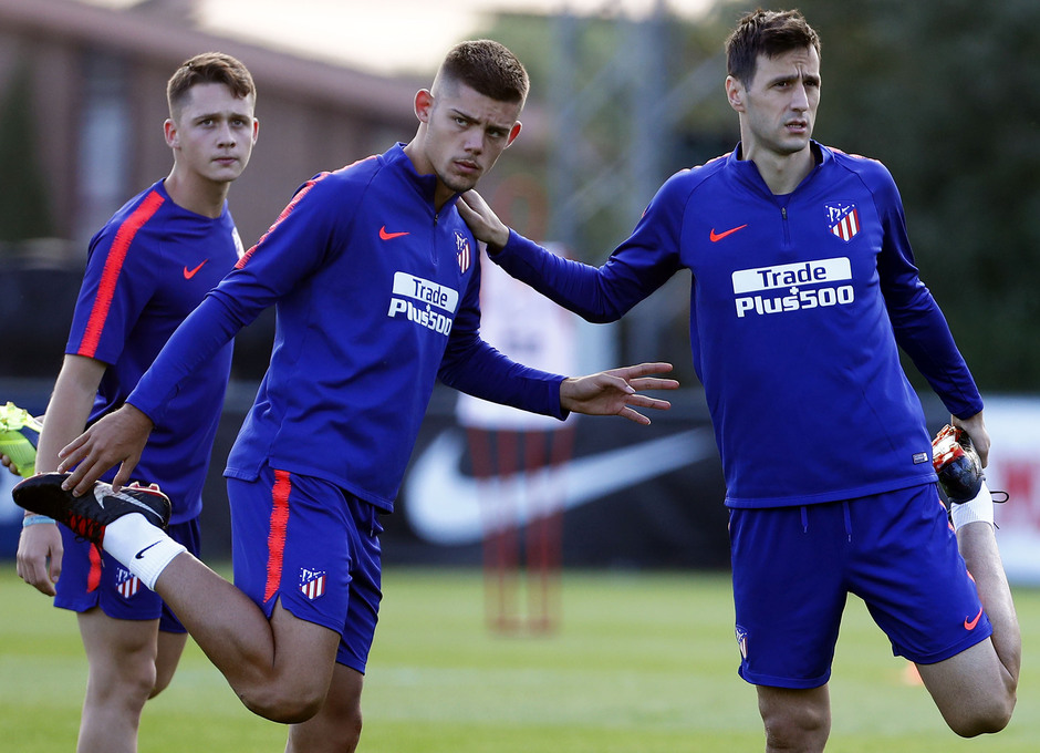 Temporada 18/19. Entrenamiento en la ciudad deportiva Wanda Atlético de Madrid. 06_09_2018. Montero y Kalinic.
