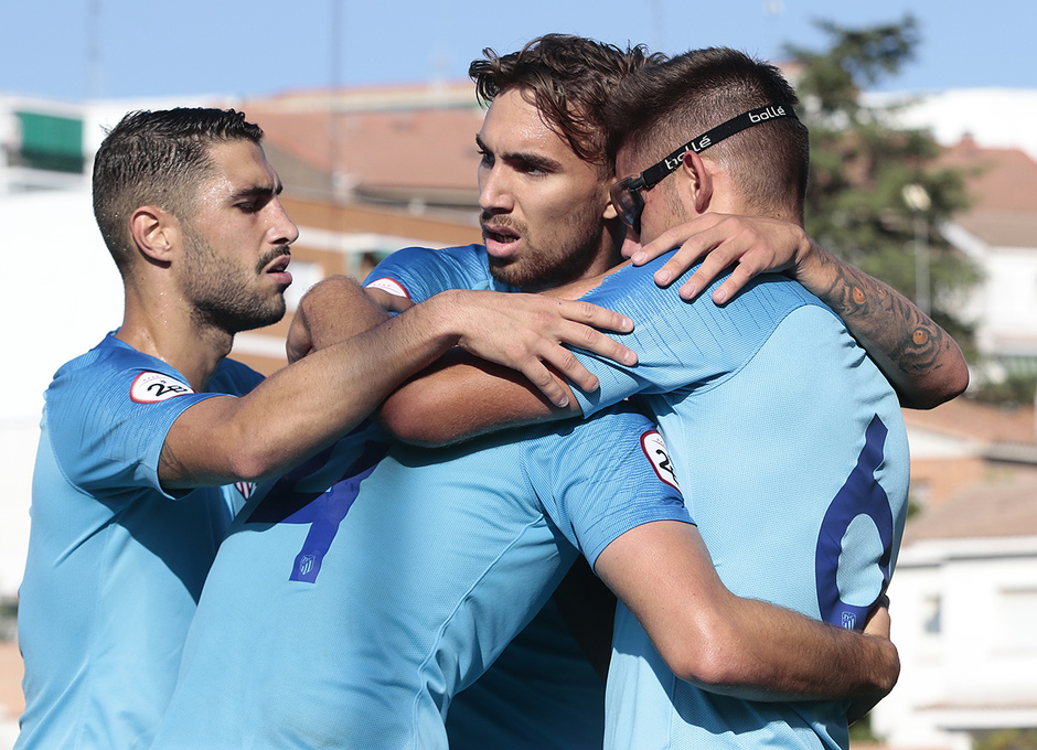 Temp. 17-18 | Navalcarnero - Atlético de Madrid B | Piña celebración