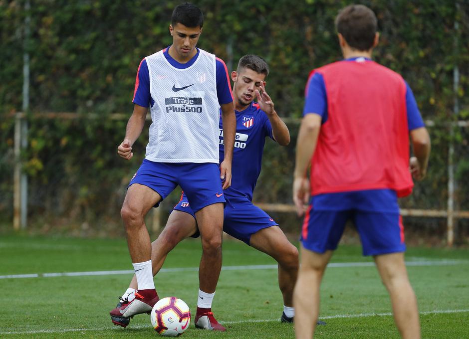 Temporada 18/19. Entrenamiento en la ciudad deportiva Wanda Atlético de Madrid. 26_09_2018. Rodrigo.