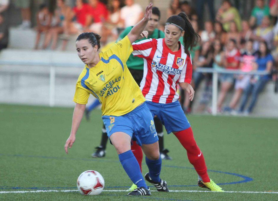 Temporada 2013-2014. Esther hizo el tercer gol para el Féminas