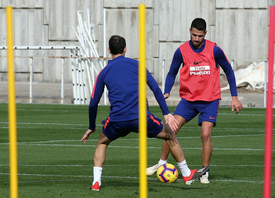 Temp. 18-19 | Entrenamiento de la Ciudad Deportiva Wanda | Vitolo