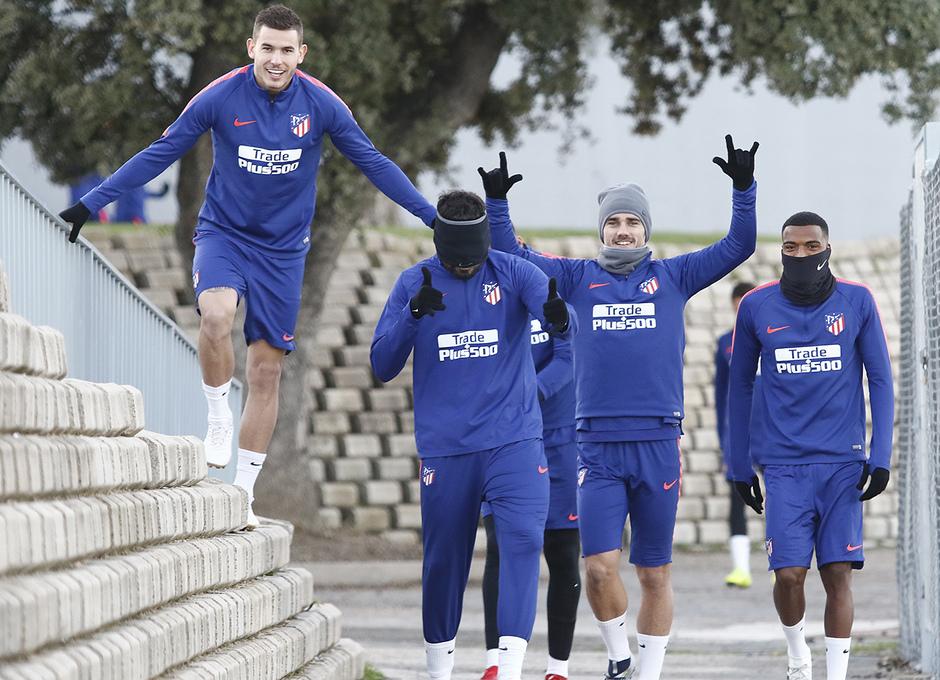 Temporada 18/19 | 23/11/2018 | Entrenamiento en la Ciudad Deportiva Wanda | Lucas, Costa, Griezmann, Lemar