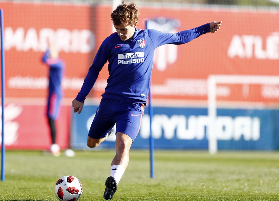 Temporada 18/19. Entrenamiento en la ciudad deportiva Wanda Atlético de Madrid. 04_12_2018. Griezmann.