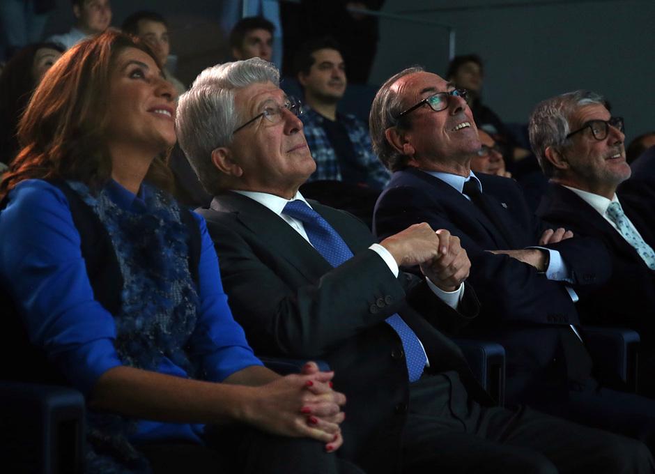 temporada 18/19. Acto presentación calendario solidario 2018. Cerezo, Adelardo y Pilar García de la Granja durante la presentación