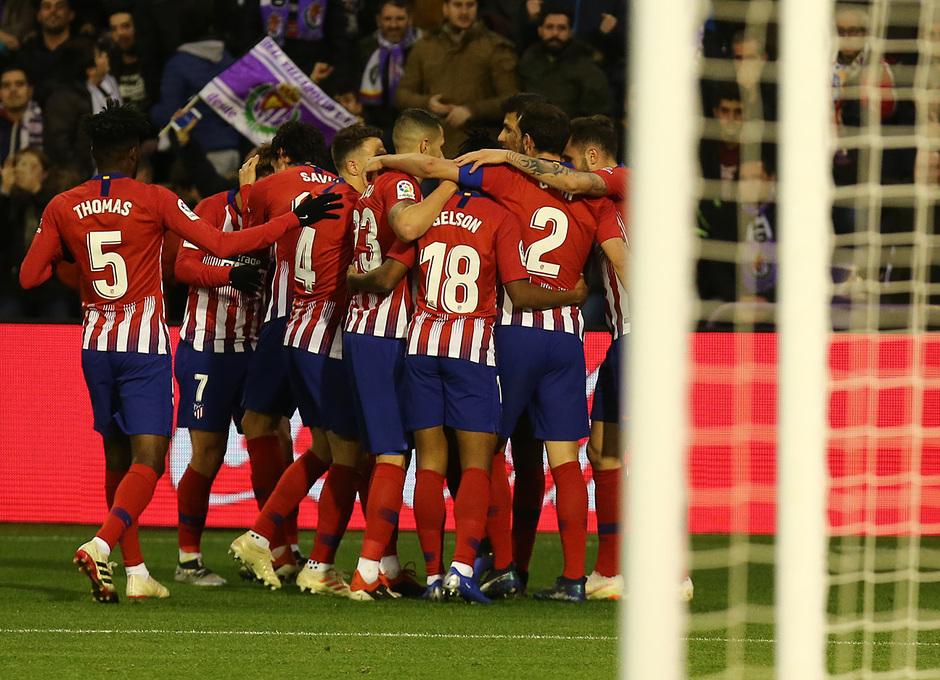 Temporada 18/19 | Valladolid - Atlético de Madrid | celebración gol griezmann grupo