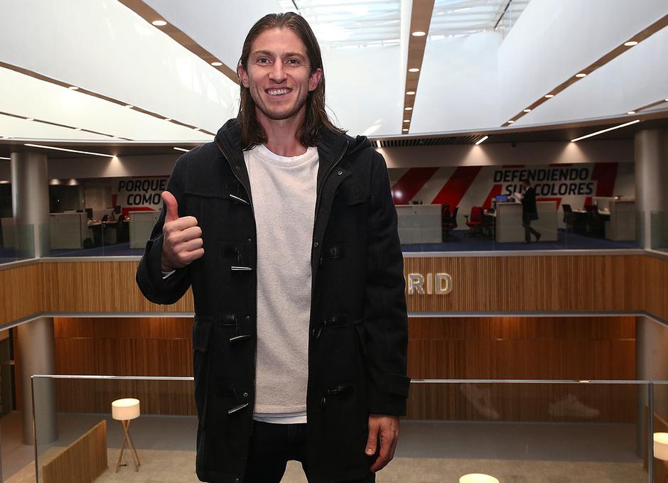 Temporada 18/19 | Visita del primer equipo a las oficinas del Wanda Metropolitano | Filipe Luis