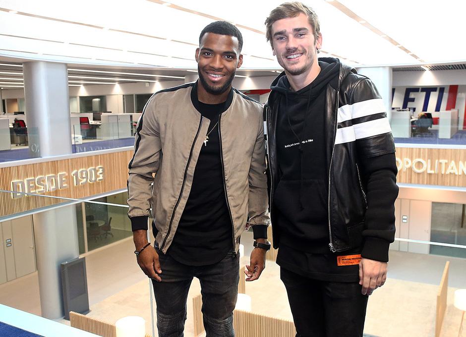 Temporada 18/19 | Visita del primer equipo a las oficinas del Wanda Metropolitano | Griezmann y Lemar