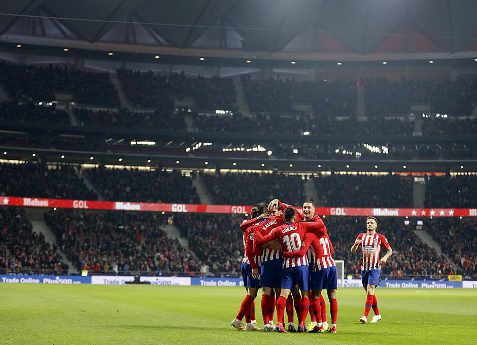 Temporada 18/19 | Atleti - Girona | Copa del Rey | piña celebración