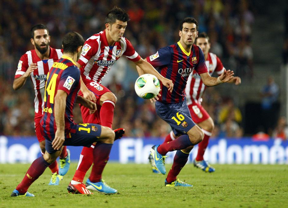 Temporada 2013/2014 FC Barcelona - Atlético de Madrid Villa escapándose de Mascherano y Busquets