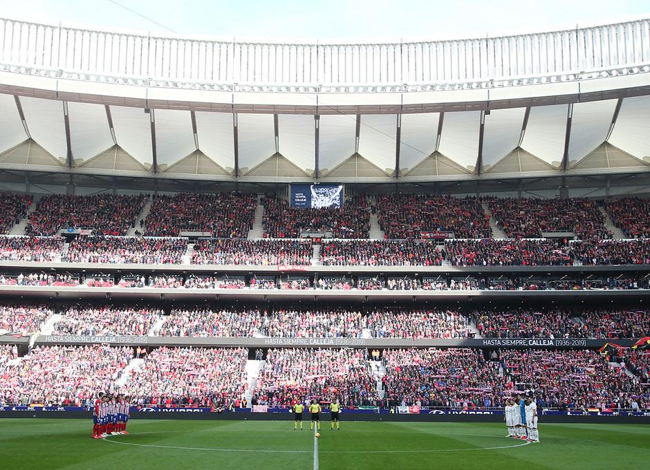Temporada 18/19 | Atlético de Madrid - Real Madrid | Minuto de silencio por Calleja