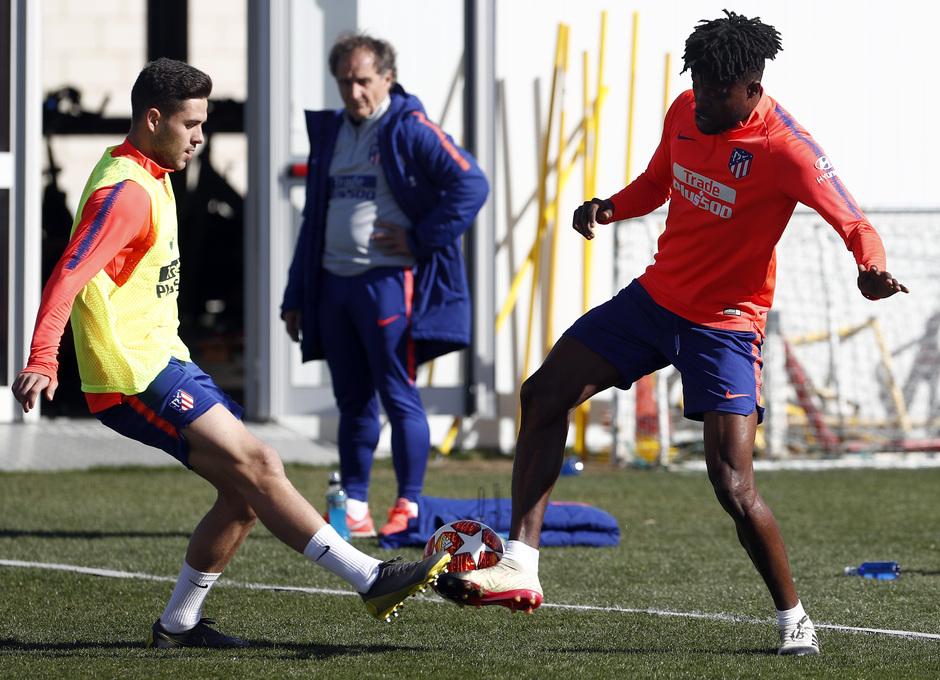 Temporada 18/19. Entrenamiento en la ciudad deportiva Wanda Atlético de Madrid. 17_02_2019. Thomas y Carlos Isaac