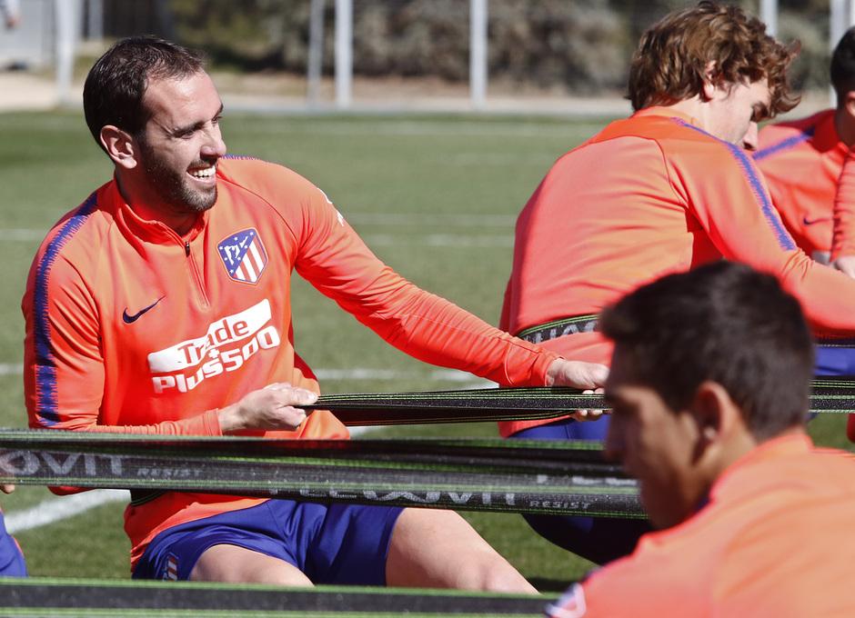 Temporada 18/19 | Entrenamiento del primer equipo | 27/02/2019 | Godín