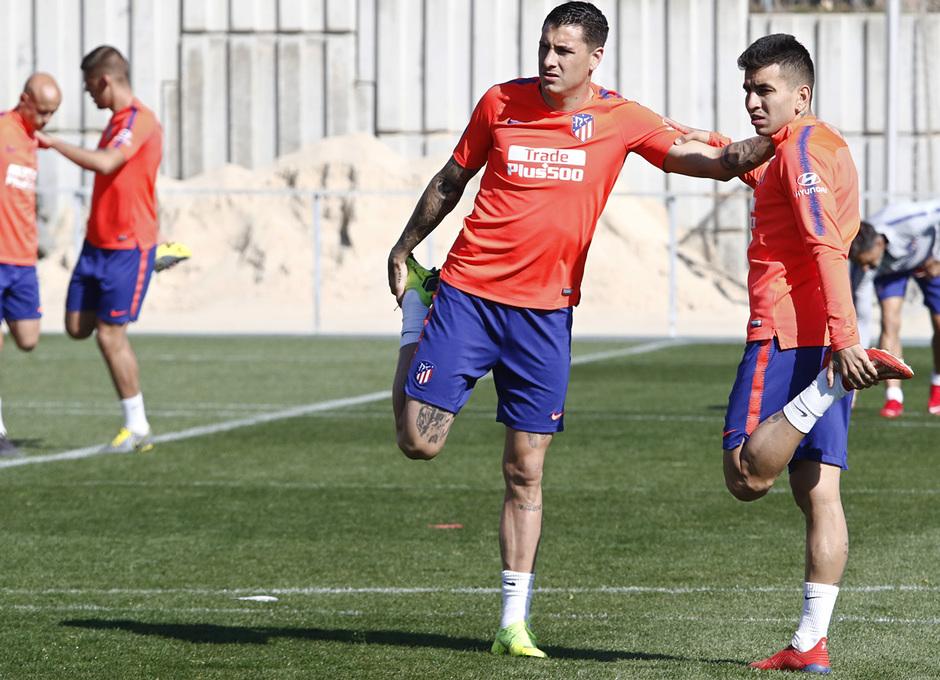 Temporada 18/19 | Entrenamiento del primer equipo | 02/03/2019 | Giménez y Correa