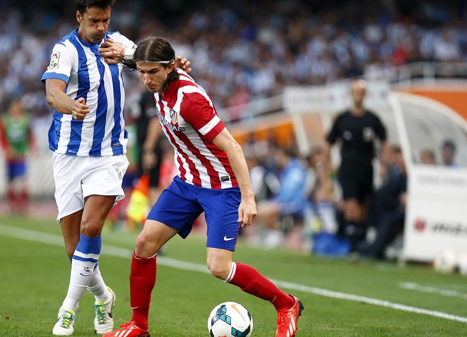 Temporada 2013/2014 Real Sociedad - Atlético de Madrid Filipe Luis defendiendo