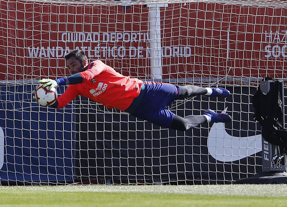 Temporada 18/19. Entrenamiento en la ciudad deportiva Wanda Atlético de Madrid. 22_03_2019. Adán