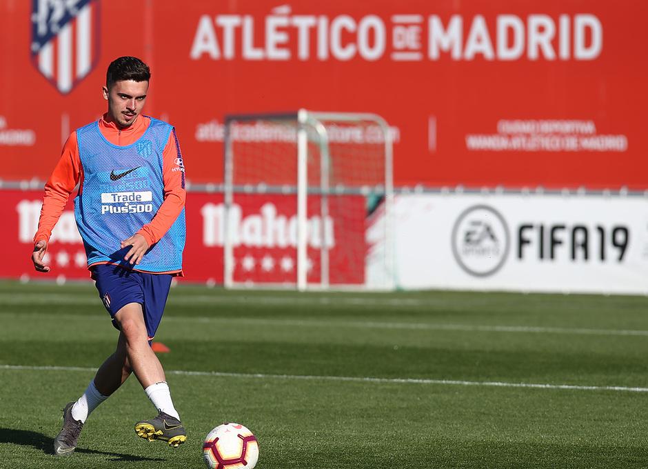 Temporada 18/19. Entrenamiento en la ciudad deportiva Wanda. Joaquín durante el entrenamiento.