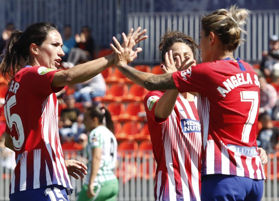 Temporada 18/19 | Atlético de Madrid Femenino - Real Betis | Celebración de gol