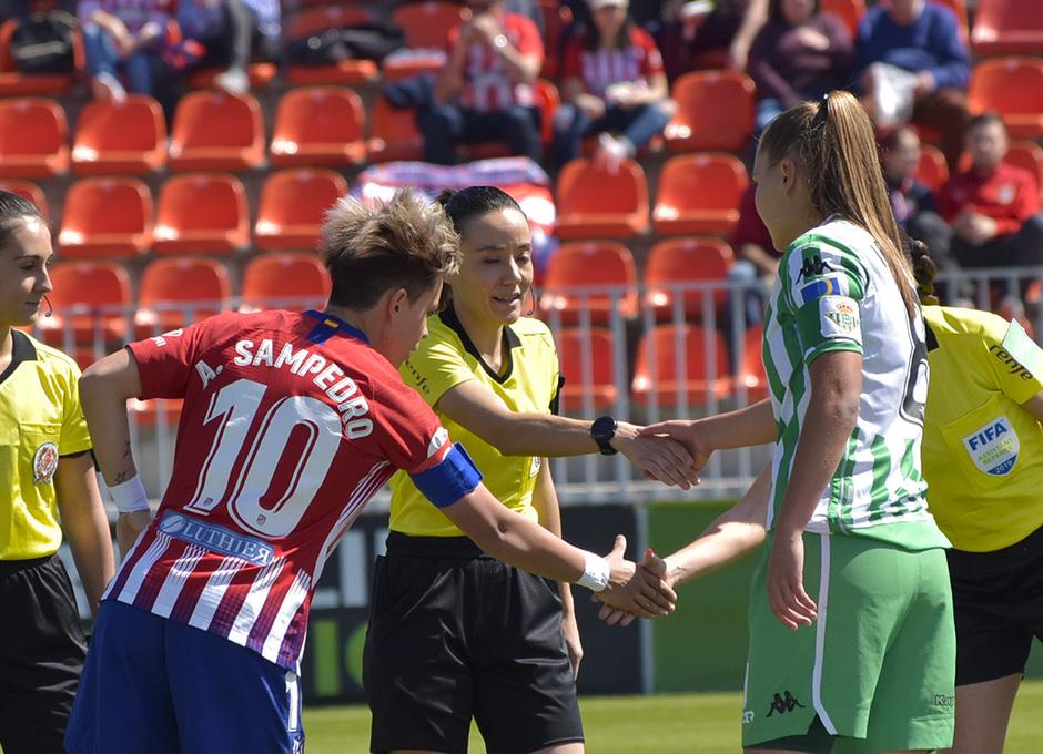 Temporada 18/19 | Atlético de Madrid Femenino - Real Betis | Saludo