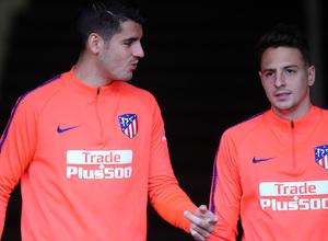 Temporada 18/19. Entrenamiento en el Wanda Metropolitano. Morata y Arias durante el entrenamiento.