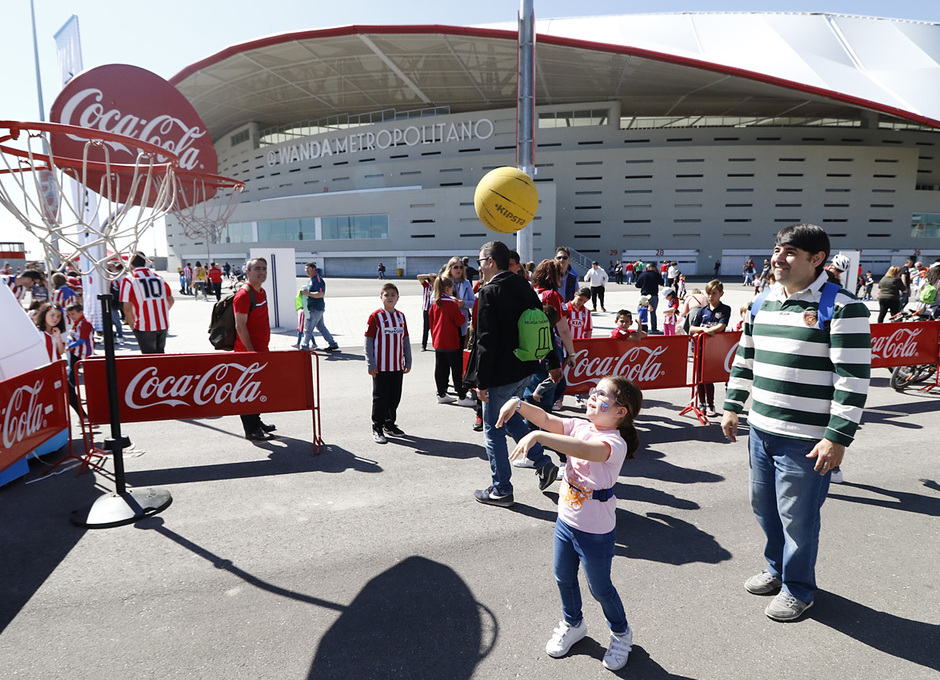 Temporada 18/19 | Atlético de Madrid - Celta | Día del Niño | Fan zone | Cocacola