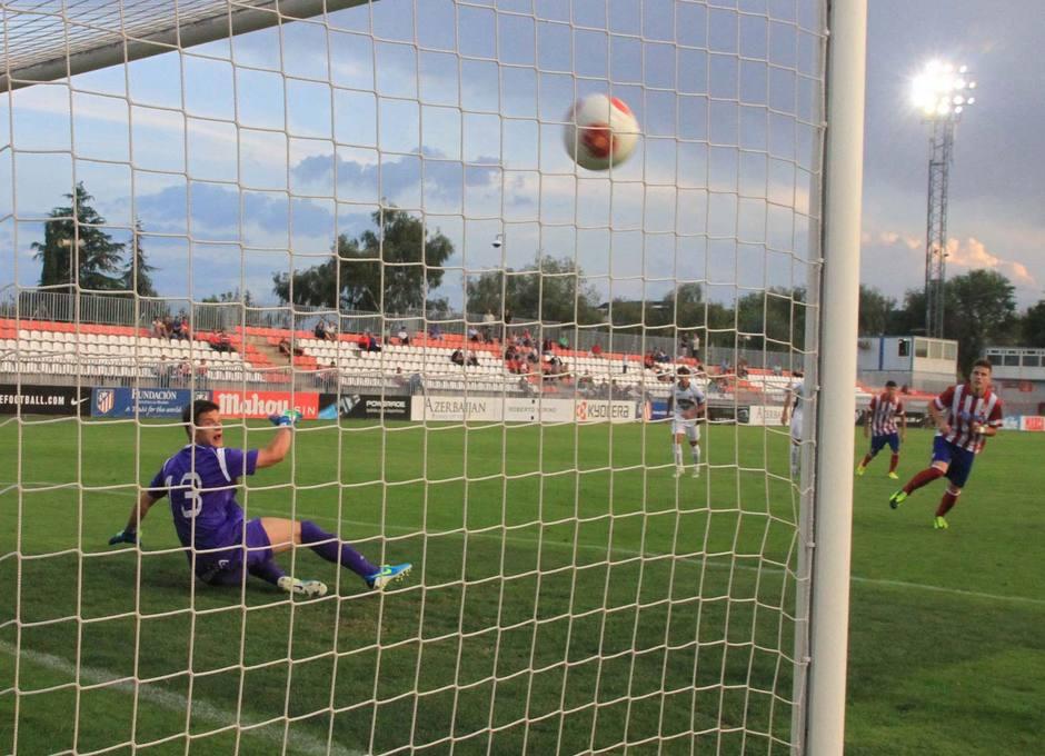 Aquino marca de penalti el primer gol del Atlético B frente al Tudelano