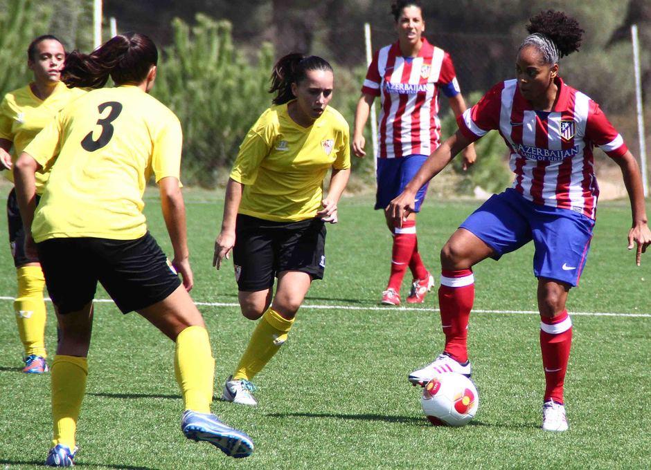 Temporada 2013-2014. Jade durante el primer partido de la temporada ante el Sevilla