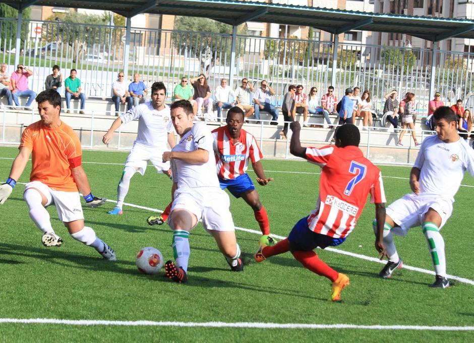 Pato consigue el primer gol de su equipo ante Los Yébenes en el partido disputado en la Ciudad Deportiva
