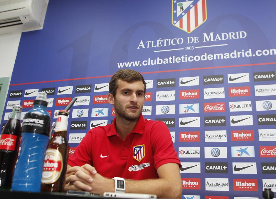 Temporada 2013/2014 Leo Bapstistao en rueda de prensa