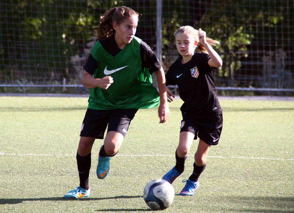Temporada 2013-2014. Las jugadoras del Alevín y Sub-13 disputaron un partido amistoso