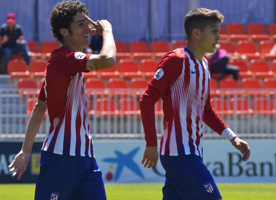 Temporada 18/19 | Atlético de Madrid B - Rápido de Bouzas | Camello