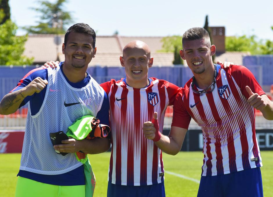 Temporada 18/19 | Atlético de Madrid B - Rápido de Bouzas | Dos Santos, Montero y Víctor Mollejo