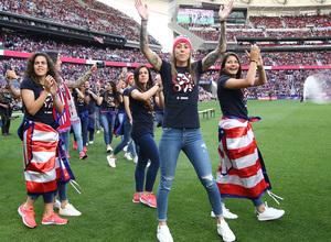 Temp. 2018-19 | Atlético de Madrid - Sevilla | Celebración Atlético de Madrid Femenino | Lola Gallardo