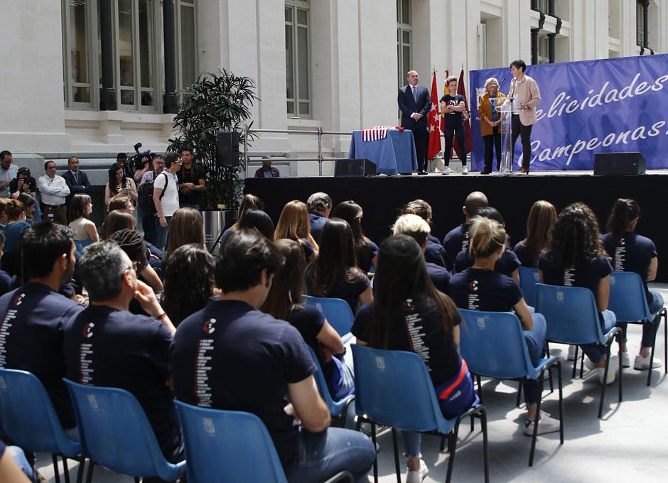 Temp. 18-19 | Visita Femenino Ayuntamiento | Lola Romero