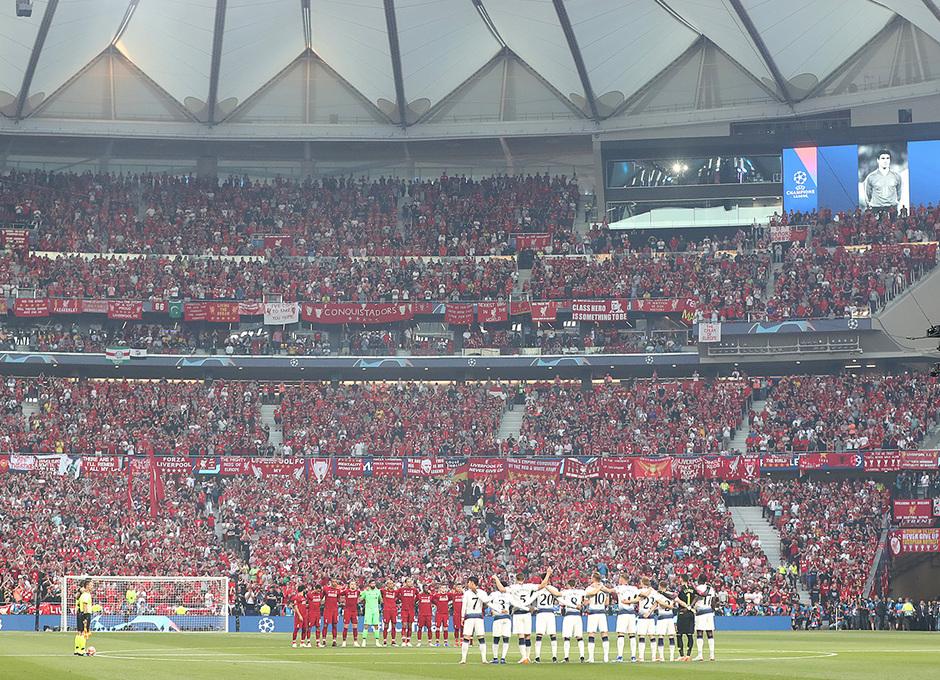 Temp 18/19 | Liverpool - Tottenham | Minuto de silencio Reyes 1