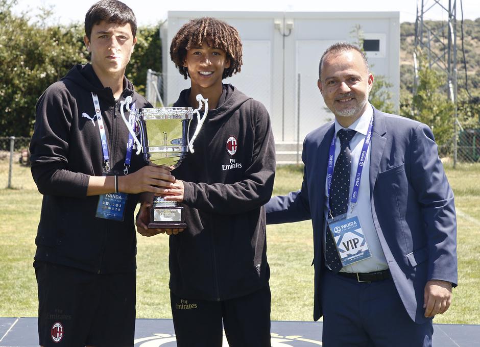 Wanda Football Cup 18/19 | Entrega de premios | AC Milan (5º posición)