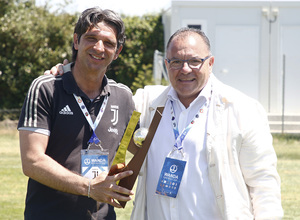 Wanda Football Cup 18/19 | Entrega de premios | Premio mejor entrenador - Juventus