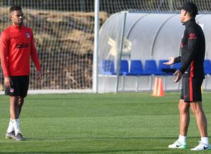 Temporada 19/20. Entrenamiento en los Ángeles de San Rafael. Lodi y Simeone durante el entrenamiento